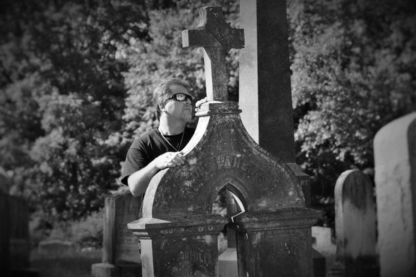 Paranormal Investigator Robert Murphy in a cemetery